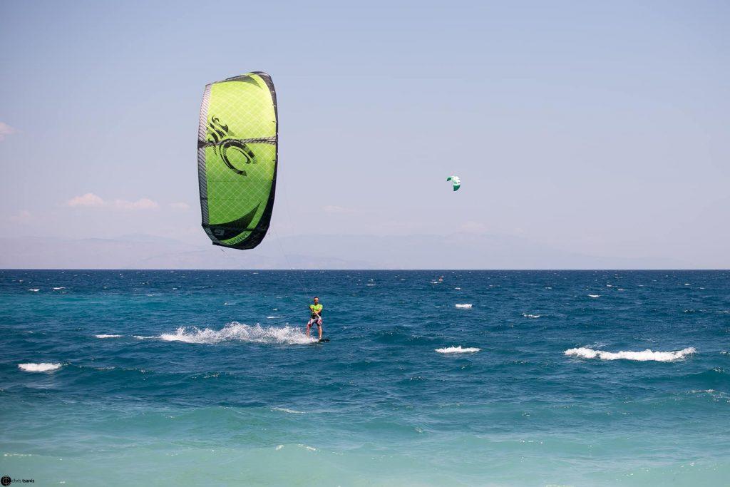 Aigio kitesurfing : kiteboarding00009