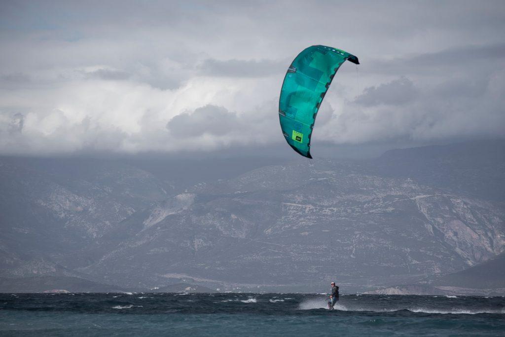 Aigio kitesurfing : kiteboarding00010